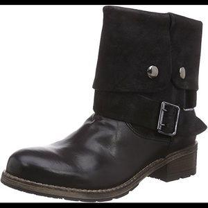 Shoes - NWOB Clarks Volara Sky Moto Boots